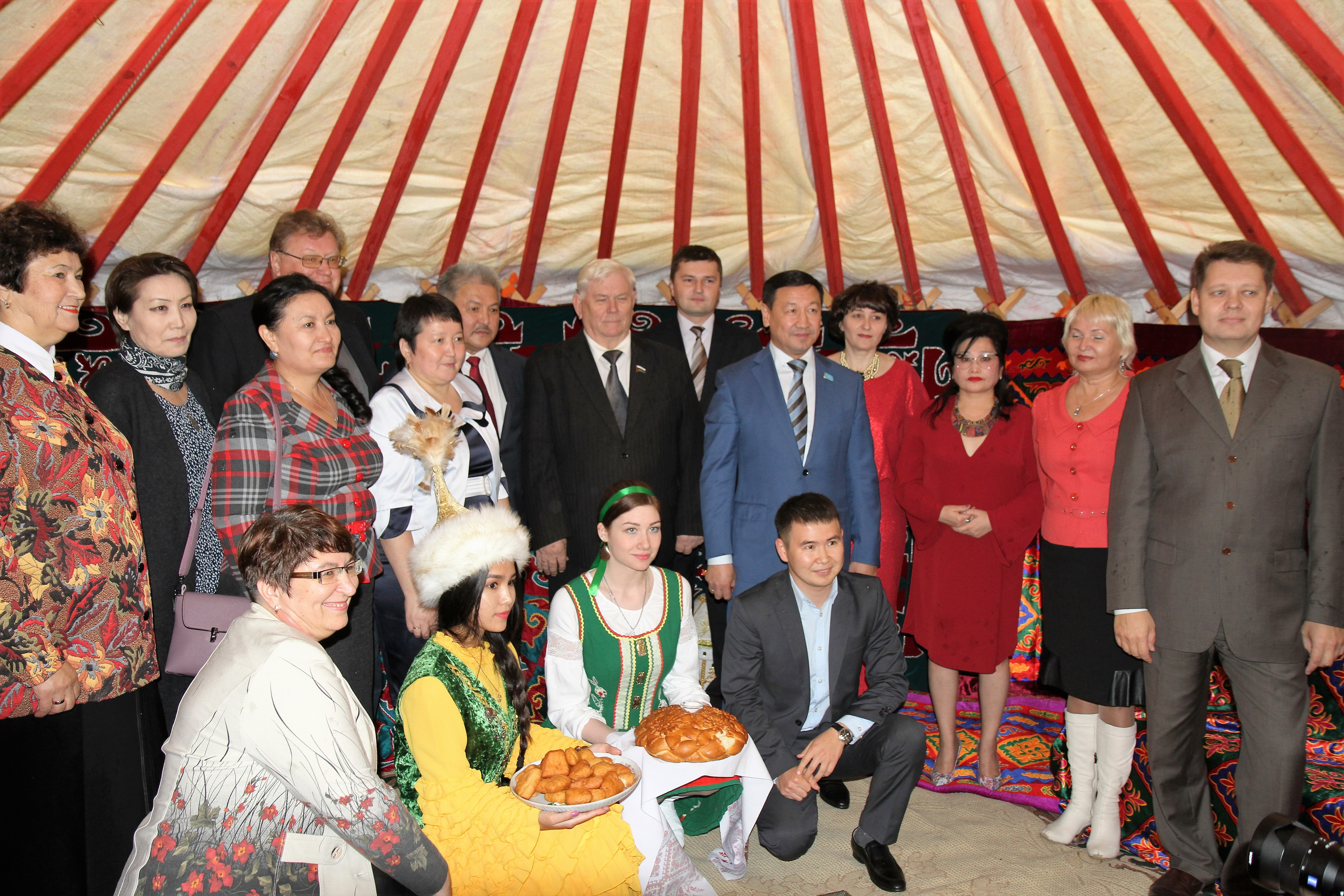 Түмен қаласында «Астана -  Еуразия жүрегі» көрмесінің тұсаукесері өтті.