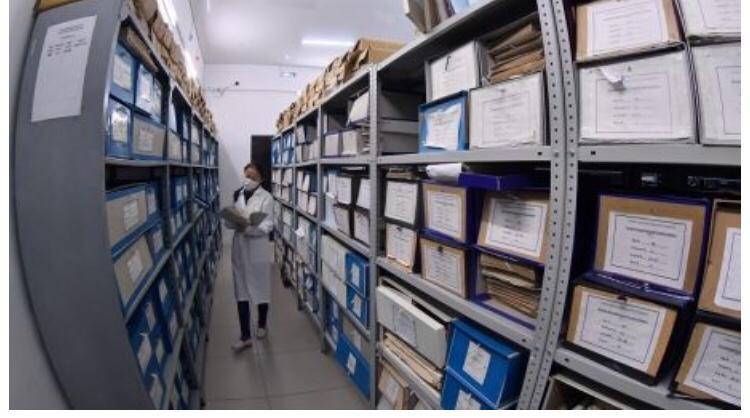 Құрметті архив қызметкерлері, құнды құжаттық қазынаның бұрынғы және нағыз сақтаушылары!